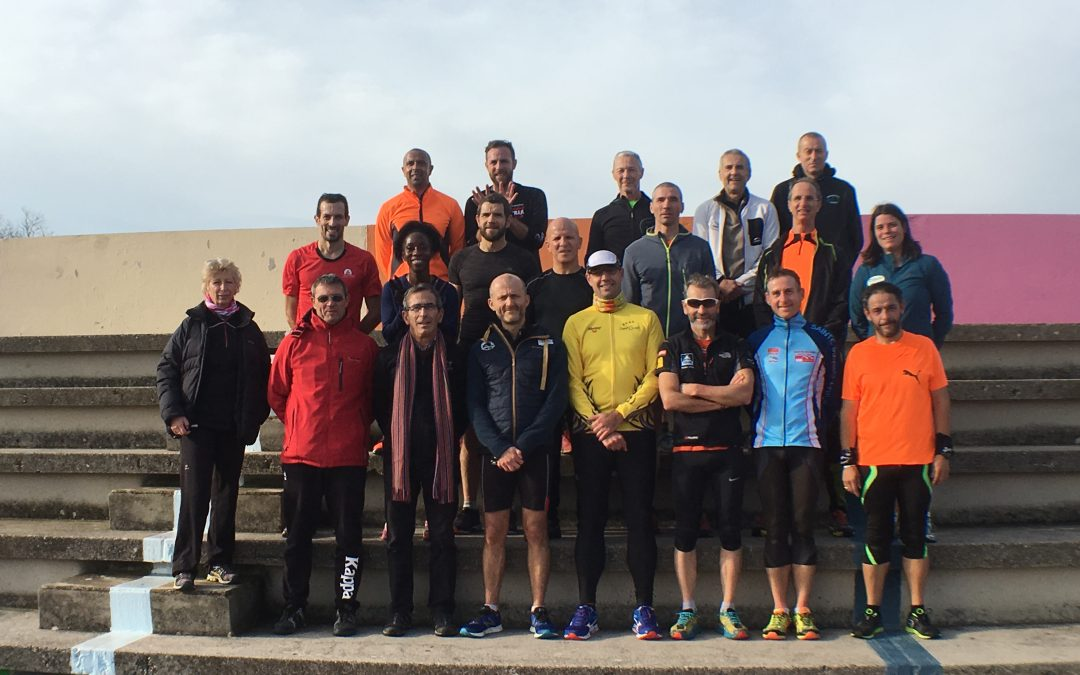 Les entraîneurs de la section Running sur les bancs d'école